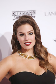 Ashley Graham glammed it up with these retro waves at the Sports Illustrated Swimsuit 2016 celebration.