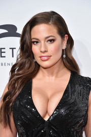 Ashley Graham looked fab with her long side-parted waves at the SI Sportsperson of the Year 2016.