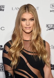 Nina Agdal wore her hair super long with boho waves at the Sports Illustrated Swimsuit 2016 celebration.