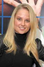 Genevieve Morton wore her hair in wispy layers for added texture during the Sports Illustrated Swimsuit 24/7 event.