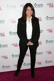 Valerie Bertinelli kept it classy in a simple black blazer at the St. John's Health Center's Power of Pink benefit.