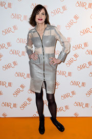 Elizabeth McGovern looked futuristic in a sheer-panel gray-and-white shirtdress at the Star Hu launch party.