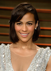 Paula Patton topped off her look with a simple bob with side-swept bangs when she attended the Vanity Fair Oscar party.
