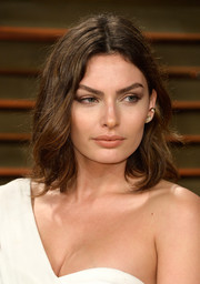 Alyssa Miller sported summer-chic waves during the Vanity Fair Oscar party.