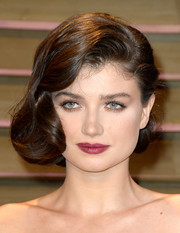 Eve Hewson looked downright glam with this retro updo at the Vanity Fair Oscar party.
