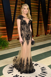 Kate Hudson looked absolutely stunning at the Vanity Fair Oscar party in a Zuhair Murad nude-illusion gown with intricate beading.