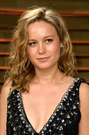Brie Larson looked mildly edgy with her tousled waves during the Vanity Fair Oscar party.