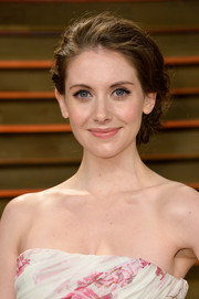 Alison Brie looked oh-so-charming with her loose updo at the Vanity Fair Oscar party.