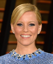 Elizabeth Banks opted for a neat side-parted chignon when she attended the Vanity Fair Oscar party.