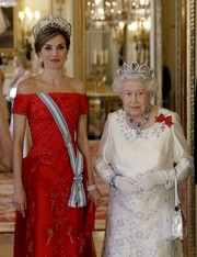 Queen Letizia of Spain attended a State Banquet at Buckingham Palace wearing the Spanish royal family's Fleur de Lys tiara.