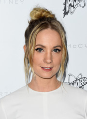 Joanne Froggatt finished off her playful look with winged jewel-tone eyeshadow.
