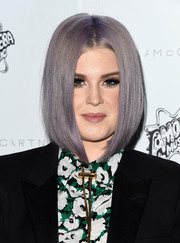 It was refreshing to see Kelly Osbourne at the Stella McCartney presentation wearing this sleek face-framing bob instead of her usual mohawk!