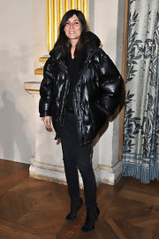 Emmanuelle Alt upped the glamour quotient in a pair of black suede booties at the Stella McCartney show.
