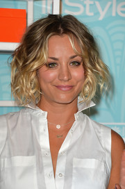 Kaley Cuoco looked adorable with her curled-out bob during the Inspiration Awards.