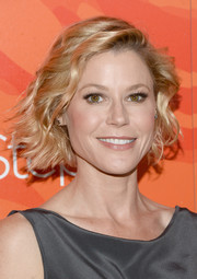 Julie Bowen attended the Inspiration Awards wearing a cute short wavy 'do.