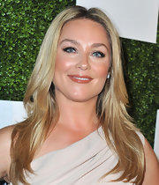 Elisabeth Rohm showed off her lovely blonde locks with a center-parted layered chop.