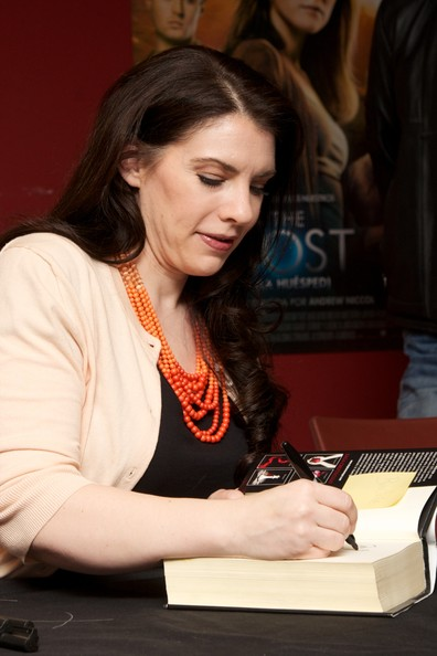 Stephanie Meyer Promotes 'The Host' in Madrid 2