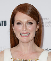 Julianne Moore wore her hair down with a deep side part during the premiere of 'Still Alice.'
