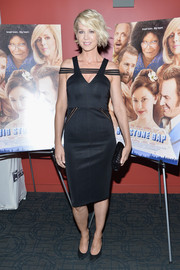 Jenna Elfman went the ultra-modern route in a SAFiYAA LBD with mesh off-the-shoulder and hip detailing during the 'Big Stone Gap' screening in New York.