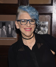 Lisa Lampanelli looked cool with her blue-dyed waves at the 'Stuffed' preview show.