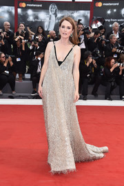 Julianne Moore brought plenty of sparkle to the Venice Film Festival premiere of 'Suburbicon' with this fully beaded gown by Valentino Couture.