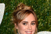 Suki Waterhouse Messy Updo