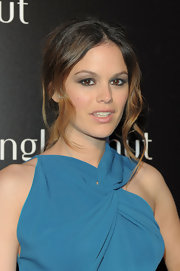 Rachel Bilson seems to have the messy look down to a T. She showed off her favorite messy updo while attending an NYC event.