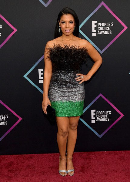 Susan Kelechi Watson Evening Sandals [flooring,fashion model,carpet,shoulder,little black dress,red carpet,joint,fashion,cocktail dress,dress,peoples choice awards,barker hangar,santa monica,california,arrivals,susan kelechi watson]