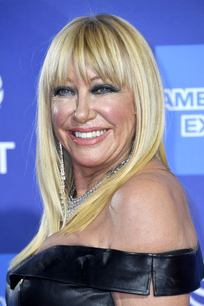 Suzanne Somers Long Straight Cut with Bangs [hair,blond,hairstyle,layered hair,chin,bangs,surfer hair,hair coloring,smile,long hair,arrivals,suzanne somers,palm springs convention center,california,palm springs international film festival film awards gala]