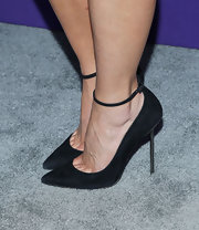 Julie Benz opted for a pair of black evening pumps with an ankle strap for a classic evening look.