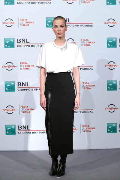 Sylvia Hoeks Pencil Skirt [the girl in the spiders web,clothing,fashion,shoulder,dress,carpet,red carpet,footwear,fashion design,pencil skirt,premiere,sylvia hoeks,photocall,auditorium parco della musica,rome,italy,photocall - 13th rome film fest]