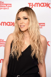 Rachel Platten was boho-chic with her center-parted waves at the T.J. Maxx event.