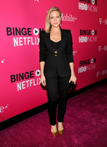 Brittany Snow added a bit of shine with a pair of gold pumps.