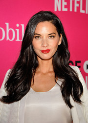 Olivia Munn wore a gorgeous wavy hairstyle to the T-Mobile Un-carrier X launch.