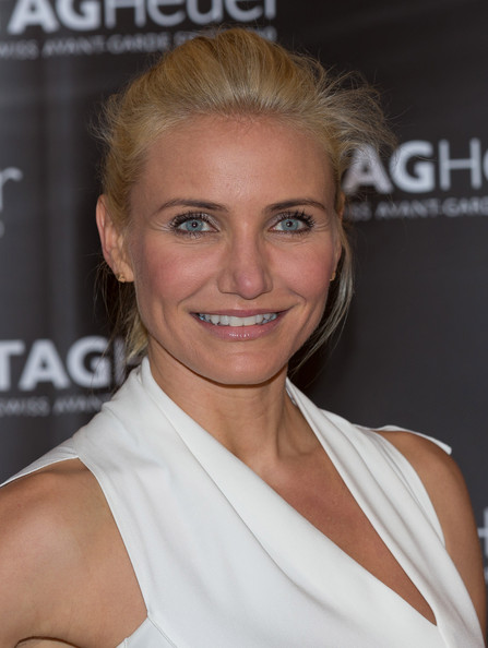 Cameron Diaz pulled back her blonde locks into this high ponytail.