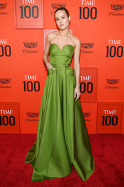 Brie Larson looked divine in a strapless chartreuse ballgown by Prada at the 2019 Time 100 Gala.