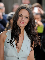 Jennifer Metcalfe rocked soft curls at the TRIC Awards. It was a nice way to frame her delicate face.