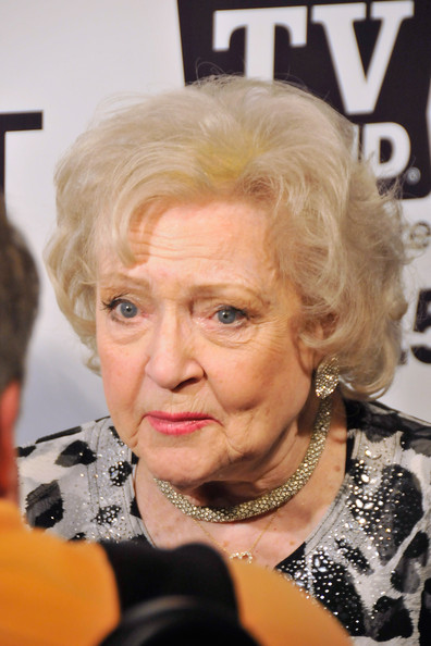 More Pics of Betty White Curled Out Bob (2 of 10) - Short Hairstyles Lookbook - StyleBistro []