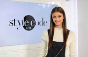 Taylor Hill showed off perfectly straight hair while visiting Amazon's 'Style Code Live.'