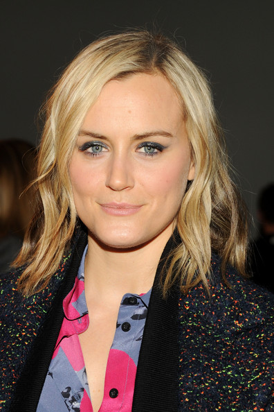 Taylor Schilling Medium Wavy Cut [hair,face,blond,hairstyle,eyebrow,lip,beauty,layered hair,long hair,brown hair,thakoon,taylor schilling,front row,new york city,mercedes-benz fashion week,fashion show]