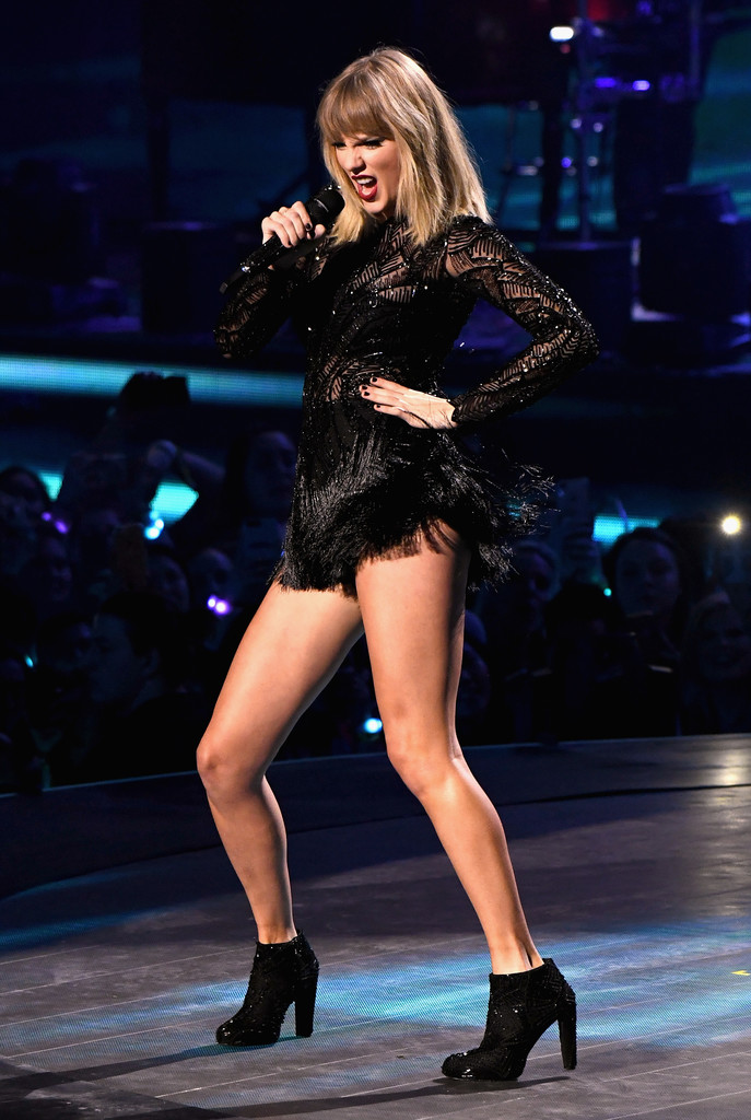 Taylor Swift Ankle Boots Taylor Swift Looks Stylebistro