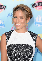 Renee went for a stylish Heidi braid for the 2013 Teen Choice Awards.