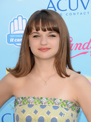 Joey King rocked an age-appropriate chop at the 213 TCAs.