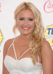 Emily Osment attended the Teen Choice Awards wearing a messy-glam side sweep.