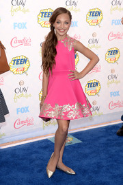 Maddie Ziegler brought a striking pop of color to the Teen Choice Awards blue carpet with this gold-sequined hot-pink cocktail dress.