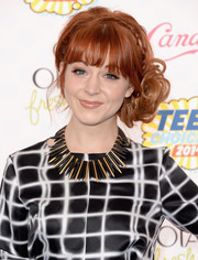 Lindsey Stirling sported super-cute pinned-up ringlets accented with a crown braid at the Teen Choice Awards.