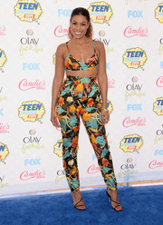 Jordin Sparks finished off her look with a barely-there pair of black strappy sandals.