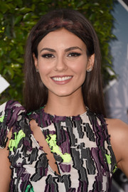 Victoria Justice kept it youthful with this loose, crown-braided hairstyle at the Teen Choice Awards 2016.
