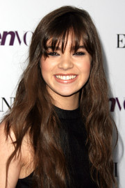 Hailee Steinfeld stuck to a youthful look with this long wavy 'do with eye-grazing bangs when she attended the Teen Vogue Young Hollywood party.