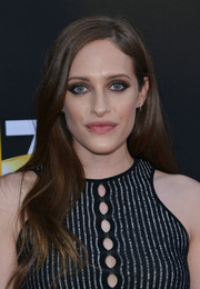 Carly Chaikin attended the Television Academy's 70th anniversary gala wearing this lovely wavy hairstyle.